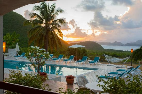 The Mount Nevis Hotel: Sunset by the Pool