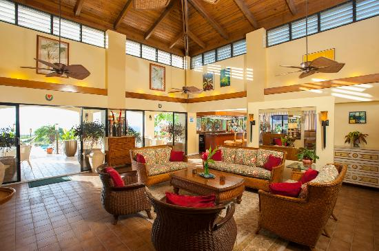 The Mount Nevis Hotel: Restaurant Lounge