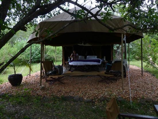Enkerende Tented Camp: Una gozada!!en frente el rio mara :D