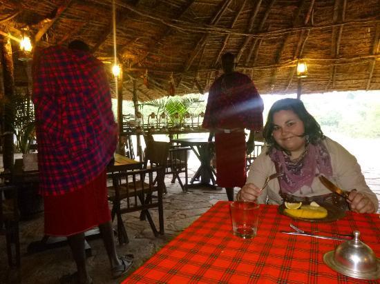 Enkerende Tented Camp: Desayunando