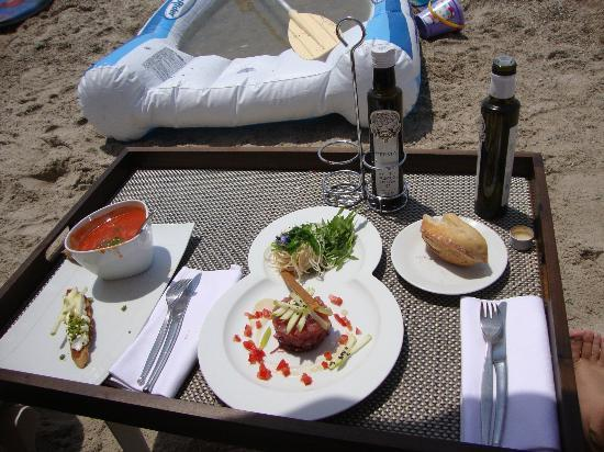 Cap d'Antibes Beach Hotel : Lunch on the beach