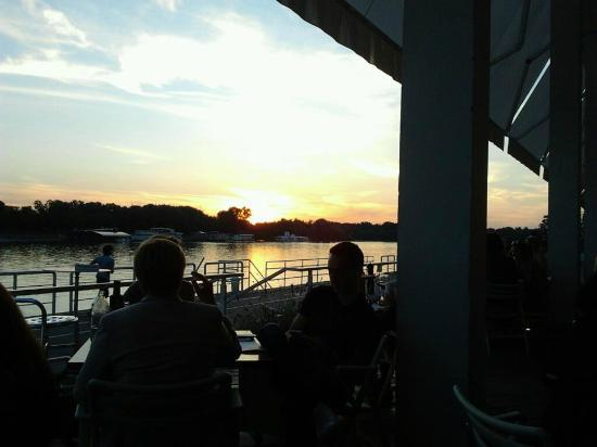 Comunale Caffe e Cucina: Sunset view from the restaurant
