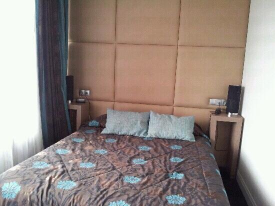 Hotel La Reserve : chambre 5
