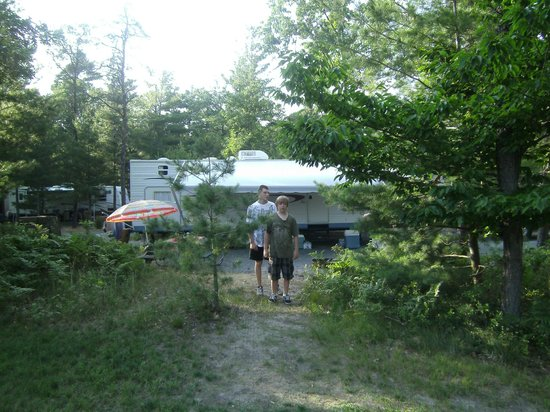 Hill & Hollow Campground: campsite