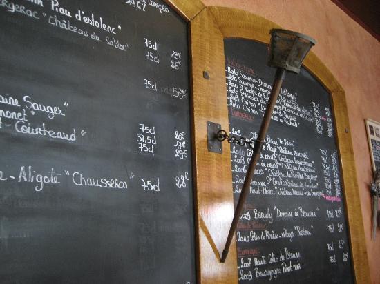 Artur : Un seul menu le Midi mais une carte très complète pour le soir