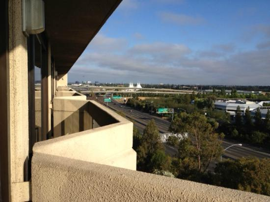 DoubleTree by Hilton San Jose: mountain view room