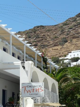 Drakos Twins George: Entrée hotel