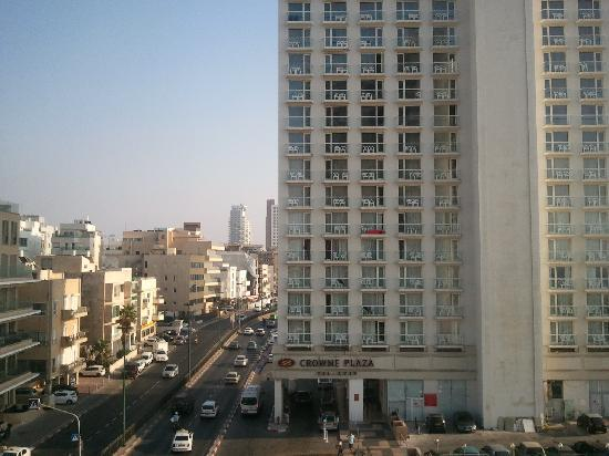 Herods Tel Aviv: View on the street