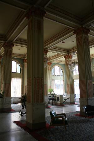"Finlen Hotel and Motor Inn: Inside the ""lobby"" of the Finlen Hotel."