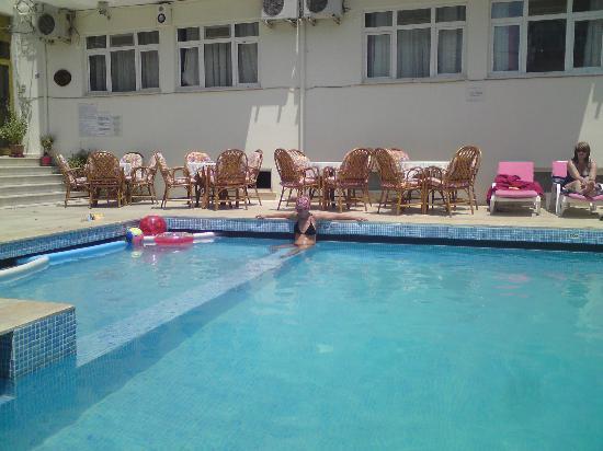 Hotel Saadet: Lovely pool