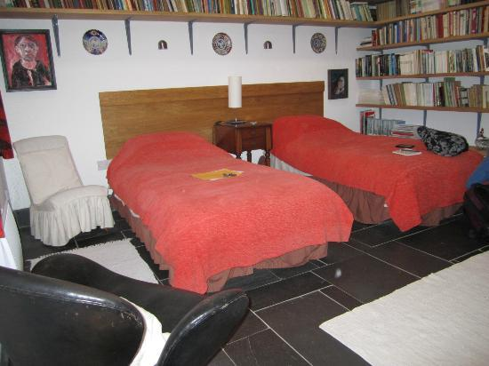 Cwt Môr, the twin-bedded room at Y Goeden Eirin