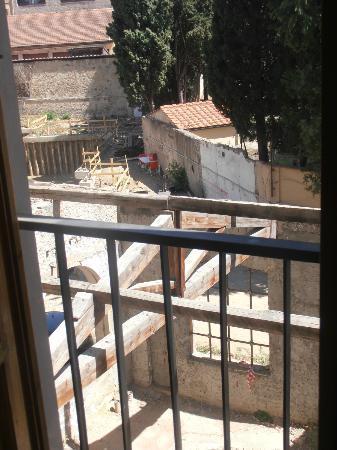 Hotel Azzi - Locanda degli Artisti: Vista dalla camera