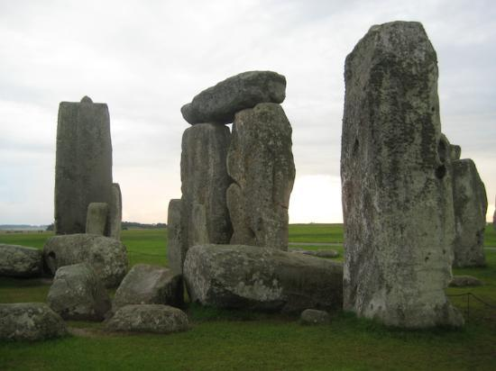 Salisbury & Stonehenge Guided Tours: Pat Shelley's Tour of Stonehenge -- from inside the circle