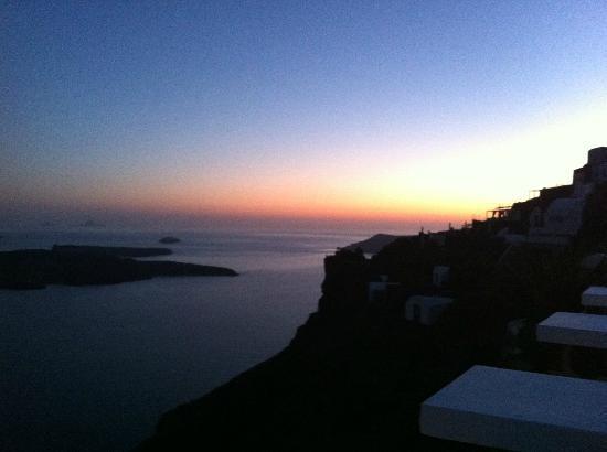 Irini's Villas Resort : Au coucher de soleil, vue de la terrasse