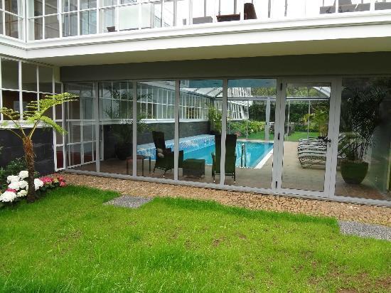 PortoBay Serra Golf : Inside pool