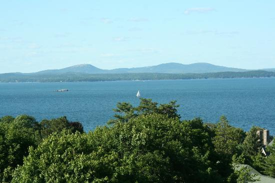 Bluenose Inn - A Bar Harbor Hotel: View of Frenchman Bay from our third floor balcony