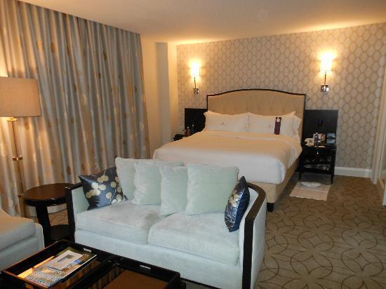 Rosewood Hotel Georgia: Bedroom