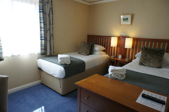 The Knight Residence Edinburgh by Mansley Serviced Apartments: second bedroom (two twin beds)