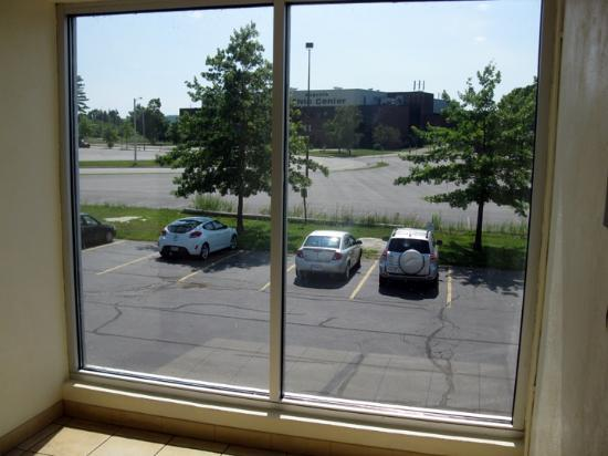 Best Western Plus Augusta Civic Center Inn : View of Civic Center from hotel