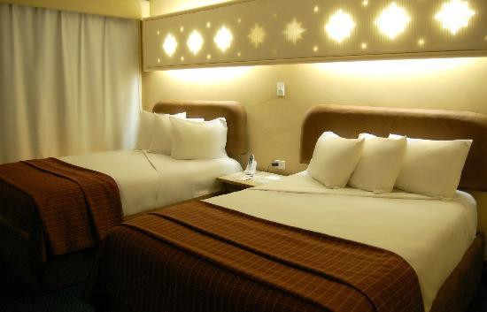 Americas Best Value Inn - Posada El Rey Sol: Habitacion dos camas Queen