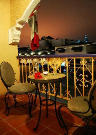 Americas Best Value Inn - Posada El Rey Sol: Terraza