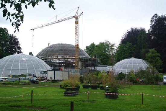 Botanical Garden (Botanischer Garten): Botanical Gardens domes under reno