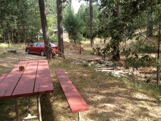 "Yosemite Westlake Campground and RV Park: nice view of the ""dump"""