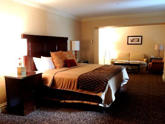 Bedroom, best king-size bed ever! - Picture of Omni William Penn ...