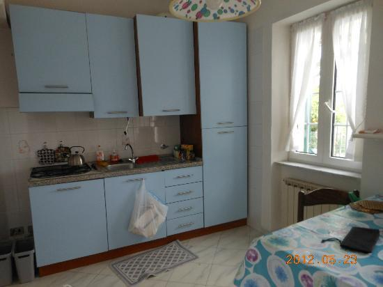 Villino Azzurra: Fully equipped kitchen area