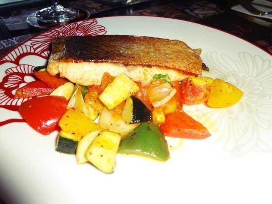 Coquelicot: Grilled Salmon with Rattatouile