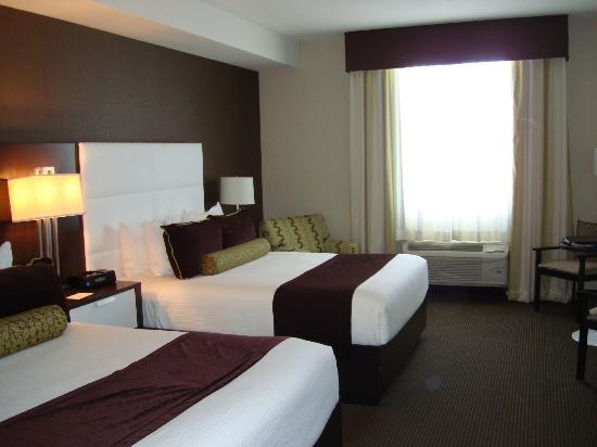 BEST WESTERN PREMIER Miami International Airport Hotel & Suites: Looking from the door