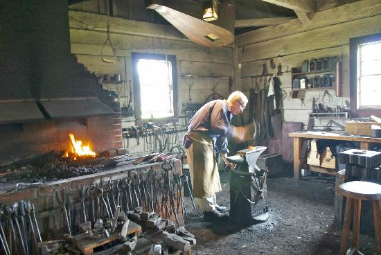 Fort Vancouver National Historic Site : Blacksmith