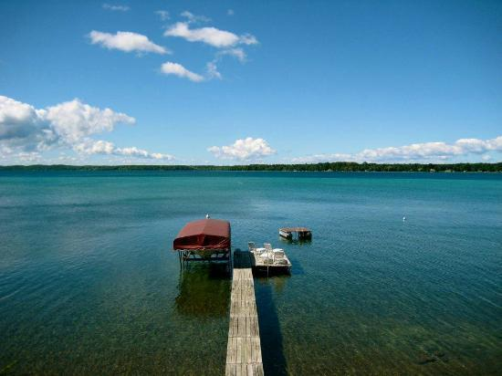 Torch Lake Bed & Breakfast: Serenity