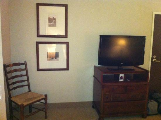 The Hotel Telluride: Flat screen TV