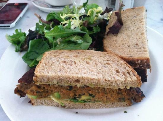 Clarke Cooke House : Veggie burger