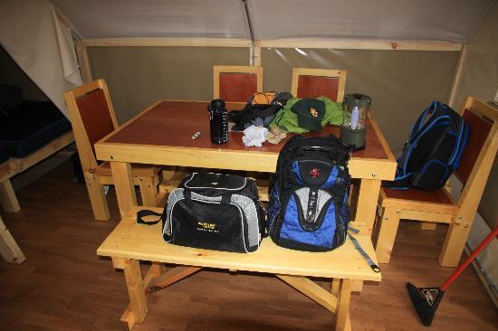 Whistlers Campground: Otentik Tent interior