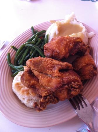 Plaza Inn: 3 pce chicken meal