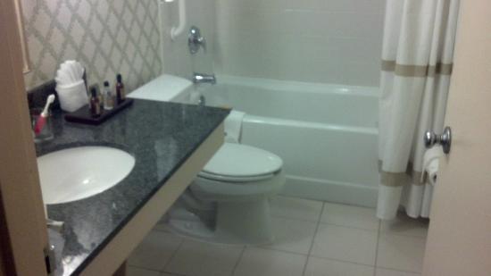 Jackson Marriott : Bathroom
