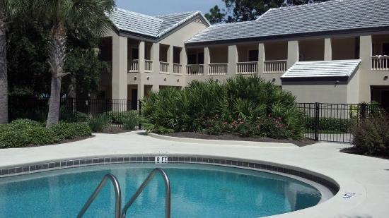 Holiday Inn Club Vacations at Bay Point Resort: Condos