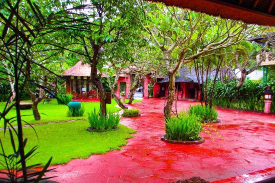 هتل لا تاورنا بالی
