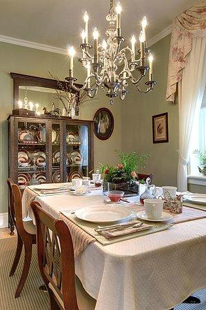 Dining Room Silken Retreat