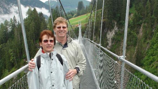 Gasthof Schwarzer Adler: Hängebrücke