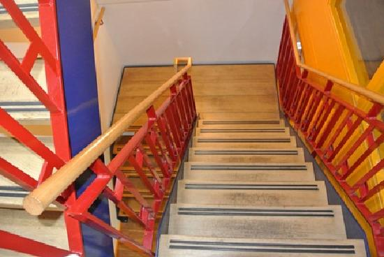 Bud Gett Hostels: stairwell