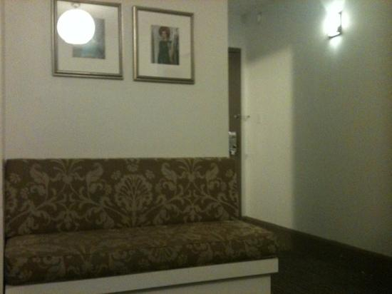 Holiday Inn Express Hotel Cass: bench