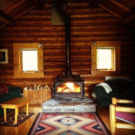 Shadow Lake Lodge: Shadow cabin, the communal lounge area