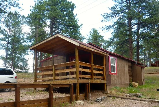 Triple B Ranch: The Beartrap Cabin with a great porch for playing cards in the evening while hoping to see a bea