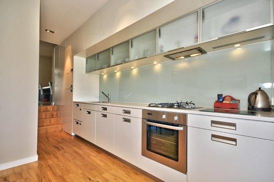 Pounamu Apartments: 1 & 2 BRM Apartment Kitchen