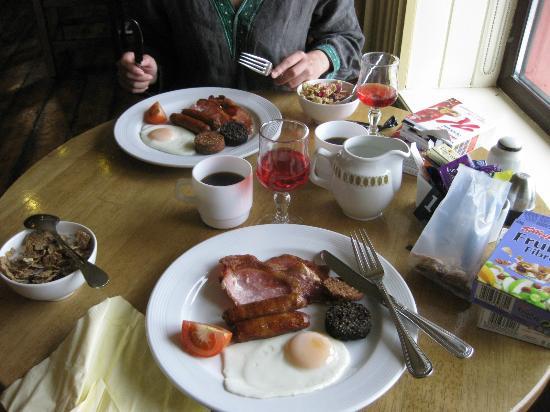 Aran Islands Hotel: 朝食