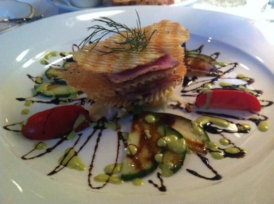 Le Bistro : Ahi tuna appetizer course.