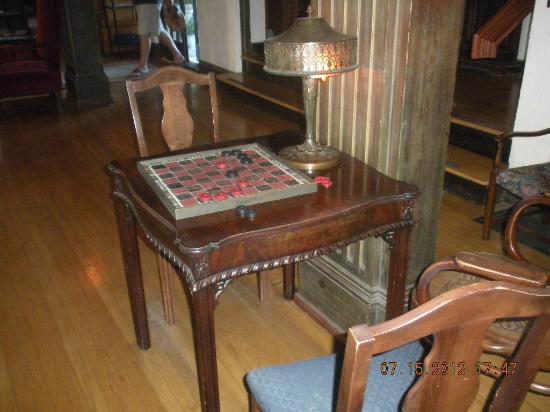 Benbow Historic Inn: lobby